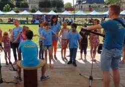 A Mosolyra Hangolók együttes énekesnőt keres