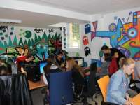 Kék Vonal Gyermekkrízis Alapítvány - gyermekek segélyvonala - Kék Vonal Komputer Klubház Kecskemét